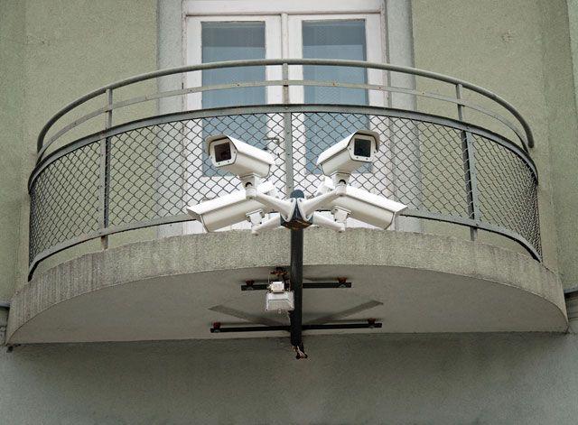 """Камеры видеонаблюдения """"безопасного города"""" разрешили ставит."""