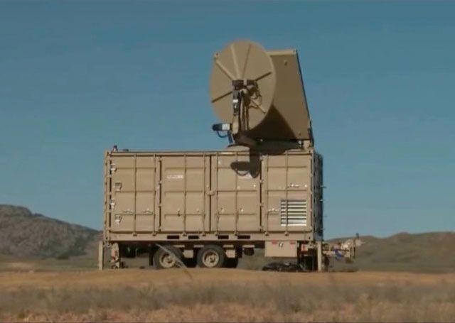 120-сантиметровая антенна американской системы Phaser успешно опробована в борьбе с крылатыми БПЛА американского же производства