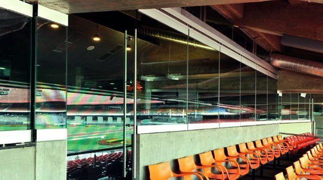 Горизонтальные раздвижные стеклянные перегородки dormakaba HSW.
